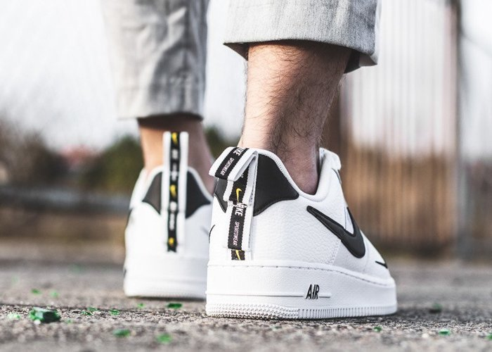 Nike Air Force 1 07'' LV8 Utility (AJ7747-100)